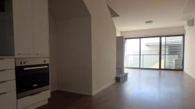 近RMIT Brunswick校区两房公寓