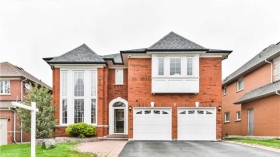 9 Boxwood Cres, Markham, Ontario, L3S3P7