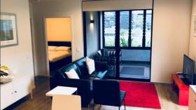 两室两卫一车位公寓近墨尔本大学Parkville校区9月2日起入住