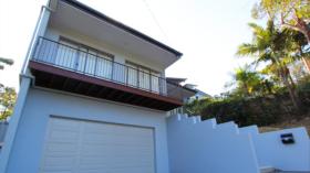布里斯班四室两卫两车位别墅近昆士兰大学St Lucia校区立即入住