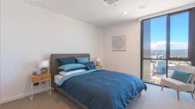 阿德莱德三室两卫两车位公寓近南澳大学City West校区立即入住