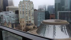 220 King St W, Toronto, ON M5V 3M2