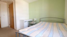 考文垂Beauchamp House 2室2卫浴