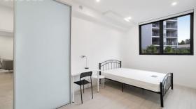 悉尼Wolli Creek服务式一室一卫一车位公寓近USYD立即入住