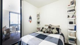 一室一书房一卫一车位公寓近墨尔本皇家理工大学6月底起入住