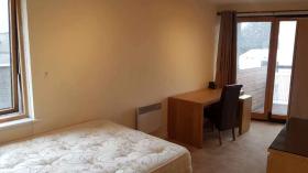 考文垂Benedictine Court (BBC) 4室2卫普通单人间
