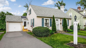 Collins St, Worcester, NH 01606