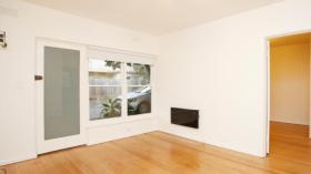 墨尔本两室一卫一车位公寓近斯威本科技大学Hawthorn校区7月28日起入住