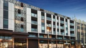 两室两卫一车位公寓近斯威本科技大学Hawthorn校区立即入住