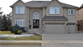 184 Duncan Rd, Richmond Hill, Ontario, L4C6J8