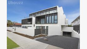 两室两卫一车位公寓近莫纳什大学Caulfield校区12月19日起入住
