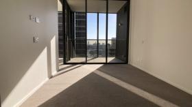 悉尼两室两卫一车位公寓近UTS立即入住