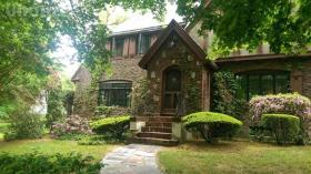 Rittenhouse Rd, Worcester, MA 01602