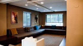 宽敞干净的套间公寓