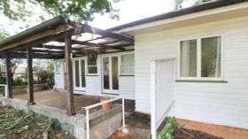 三室一卫两车位公寓近昆士兰大学St Lucia校区立即入住