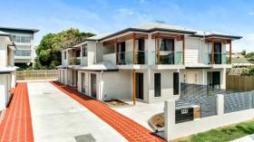 布里斯班三室两卫一车位公寓近昆士兰科技大学Gardens Point校区立即入住