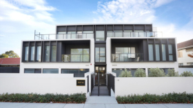 墨尔本两室两卫一车位公寓近莫纳什大学Caulfield校区7月12日起入住