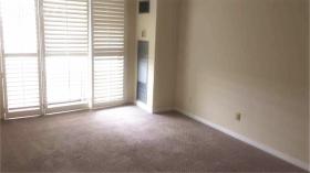 多伦多两室公寓出租,有1个停车位和1个储物柜