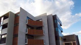 两室两卫一车位公寓近迪肯大学2月19日起入住