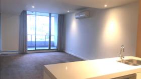 悉尼两室两卫一车位公寓近泰勒学院立即入住