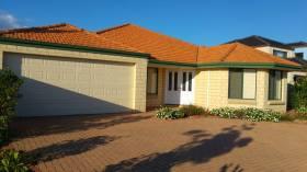 四室两卫别墅近西澳大学立即入住