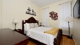 纽约曼岛中城西四居室公寓带家具