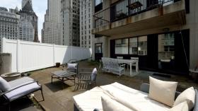纽约三卧一浴高层公寓带露台