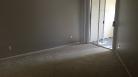 圣迭戈一间优质的主卧室